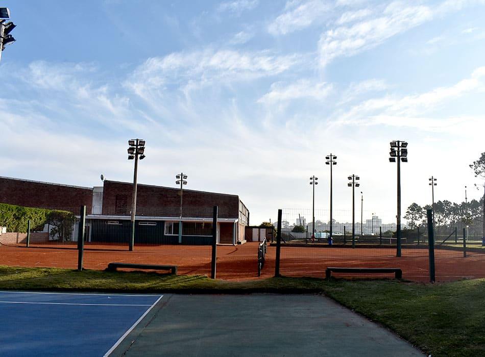 instalaciones-club-nautico-canchas-tenis-4
