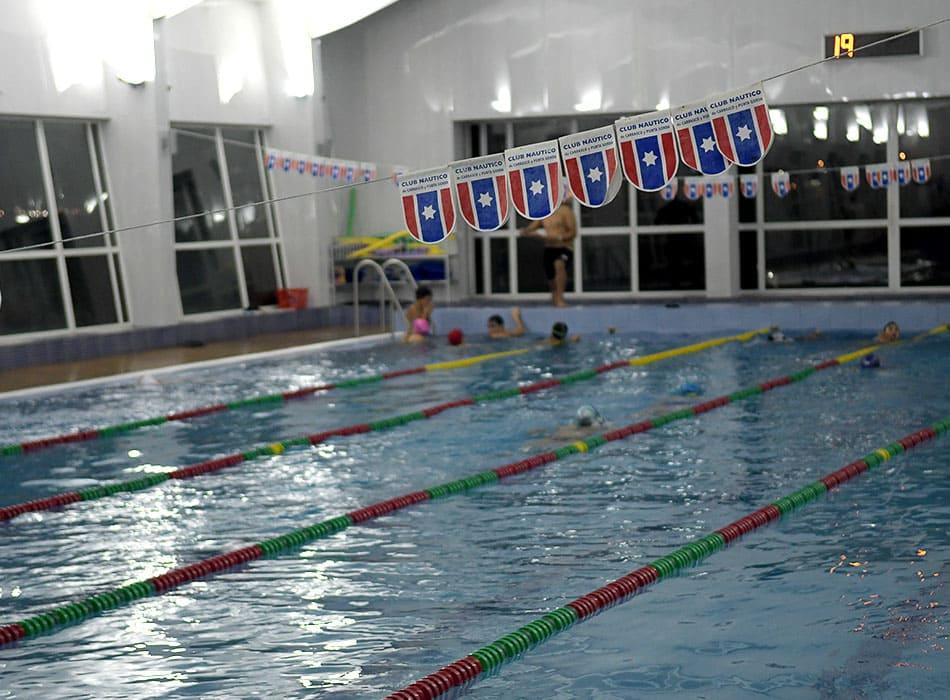 instalaciones-club-nautico-piscina-solarium1