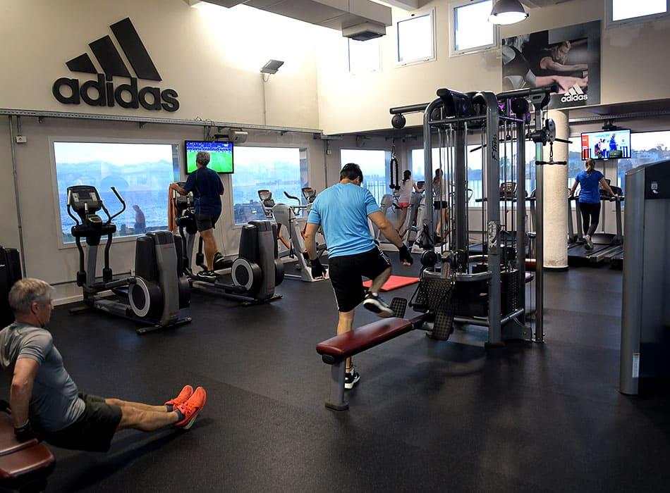 instalaciones-club-nautico-sala-musculacion-3